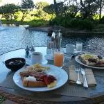 pond side breakfast