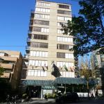 Photo de Riviera on Robson Suites Hotel Downtown Vancouver