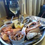 Piatto di ostriche e crostacei