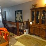 Hall to livingroom & bedrooms