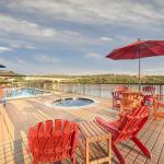 Marble Falls Hotel Pool