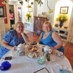 Photo de The Tilted Teacup Tea Room and Boutique