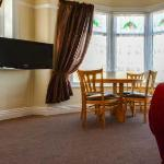 Beachcliffe. Apartment 1  Dining room sleeps 2-4