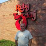 Frente a Ruby Tuesday