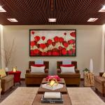 Luxurious relaxation retreat for pre and post spa services.