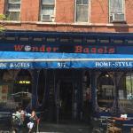 Wonder Bagels resmi