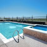 Huge Pool with Spa