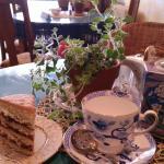 Loose leaf tea & cake - Yum !