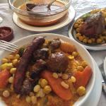 Couscous Riad.....(Méchoui, merguez, boulettes et brochette d'agneau ou poulet au choix)...Miam.