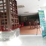 the cinnamont restaurant yang berada di samping receptionis
