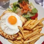 Plat, Croque Madame, frites & salades. 11e