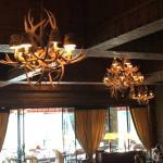 nos fundos temos o restaurante do Hotel Llau Llau