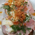 ham and egg on toast