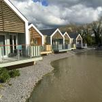 New Lakeside Chalets