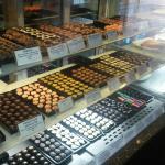 Diversos tipos e sabores de chocolate