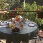 un angolo di paradiso a colazione