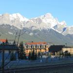 Photo de Canadian Rockies Chalets
