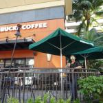 Foto de Starbucks Coffee Royal Hawaiian Center