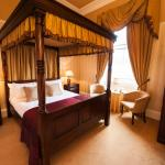 Superior Four Poster Room (Room 11)