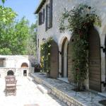 Historic stone villa with large bbq & wood-burning oven