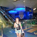 Estación de metro linea Red a 1 cuadra del hotel