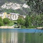 l'hôtel vu du lac