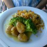 Bacalhau com Broa, Batata assada e Bróculos