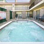 Ramada Inn Marian Del Rey Whirlpool