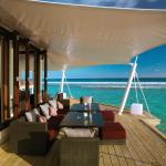 Lunch with a view! sounds of waves, and azure waters of the Indian Ocean