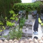 la terrasse ombragée du restaurant
