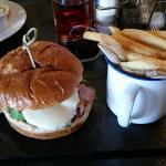 burgers today at Moda :)