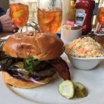 Frontier Tavern at Omni Bedford Springs Resort Foto