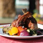 Блюдо из тандыра на летней площадке