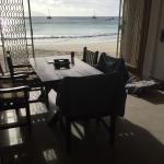 Good size kitchen and living area. The view to the beach is spectacular and very relaxing. Rooms