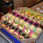 1kg of mini pastries