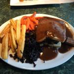 Lefty's Resturant & lounge Foto