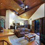 Couples Villas: Four Post Bed, Sunken Lounge Room, High Ceiling
