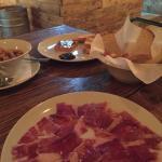 Photo de El Bombin Bar Bodega