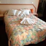 Blick ins Zimmer mit Handtüchern als Deko-Schwan