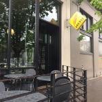 Great cafe in central location!