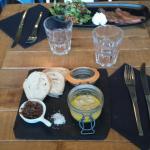 Foie gras maison et Saumon mariné aux Agrumes.