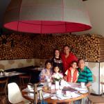 Excelente restaurante con precios muy accesibles, un lugar muy acogedor y jardines hermosos