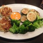 Crab cakes with broccoli and zucchini