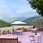 Lake View Restaurants
