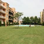 Empuriabrava - Una de las piscina de los ''Apartaments Comte d'Empuries'' (14-05-2015)