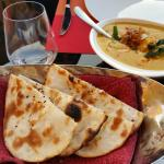 صورة فوتوغرافية لـ Ushna Restaurant