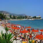 Plage privée la Callanque et plage publique à 300 mètres