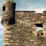 castle/ chateau