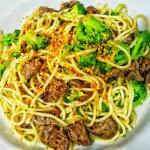 Espaguetti Alho, Óleo, Mignon e Brocólis