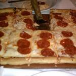 Alfredo's Thick Pan Pizza